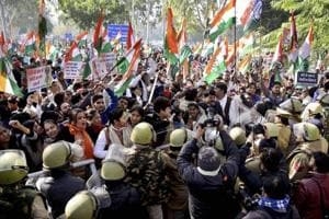 Cong's anti-demonetisation protests end in lathi-charge, detention of...