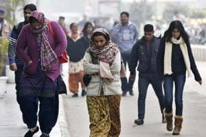At 2.7°C,  Gurgaon unbale to shake off the cold, fog leads to snarls