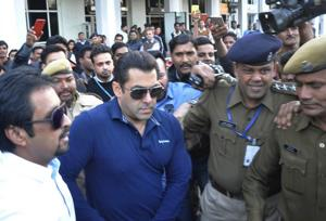 Live: Salman Khan acquitted by Jodhpur court in Arms Act case
