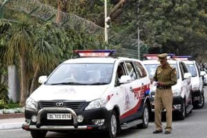 Policeman puts duty first, helps cops nab son who stabbed woman nine...