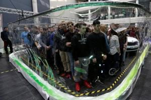 Czech bubble artist surrounds 275 students with soap 'screen' to claim...
