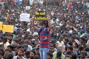 Jallikattu protesters stand firm at Marina beach on Day 4: 'We'll go...