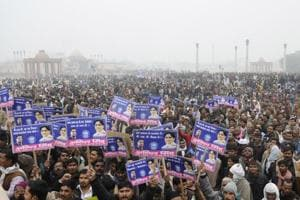 With cadre on field, SP-Cong alliance fails to deter Mayawati