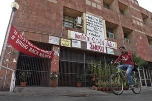 JNU to cut teachers' salary for taking part in strike
