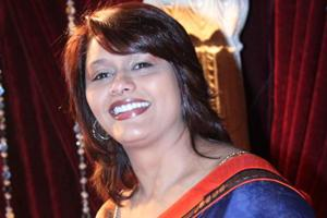 Manoj Bajpayee can play Om Puri well on screen: Pallavi Joshi
