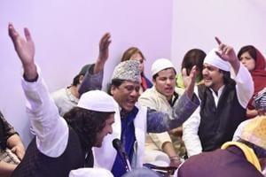 Qawwal Chand Nizami (centre) with nephews Shadab and Shohrab Nizami at the dargah.