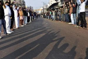 Thousands form human chain for de-addiction in Bihar, govt claims it's...