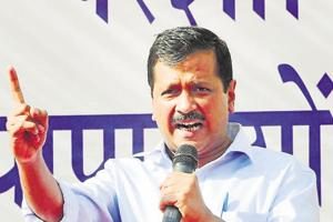 After censure, Kejriwal hits out at EC, defends his statement