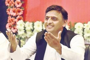 UP elections: Akhilesh releases SP manifesto; Mulayam, Shivpal give a...