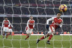 Premier League: Alexis Sanchez scores late as 10-man Arsenal FC beat...