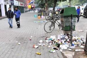 Dustbins at the Plaza are also overflowing with garbage.