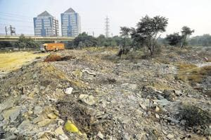 Gurgaon residents face dust pollution as dumping of rubble goes on...
