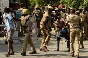 Jallikattu protest violence leaves close to 90 cops injured, several...