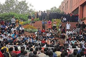 Suspended JNU student on hunger strike shifted to hospital by police