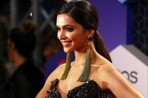 Unfair to compare me with Priyanka: Deepika Padukone