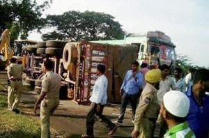 3 members of wedding party hurt as truck rams bus in Delhi Cantt area