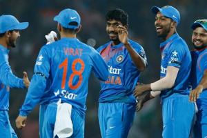 India v England 2nd T20I:IND win last-ball thriller by 5 runs, level series 1-1