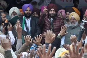 Congress candidate Navjot Singh Sidhu addressing a rally in Amritsar.