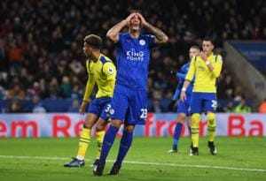 Leonardo Ulloa wants to leave Leicester City F.C. after stating on his Twitter account that he was 'betrayed' by the manager Claudio Ranieri.