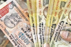 Budget 2017: Jaitley lowers cash donation limit for parties to Rs 2,000