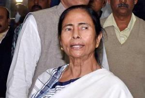 Mamata attacks 'clueless' Budget 2017, CPMsays it gives no solutions