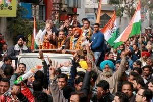Congress leader and former Union Cabinet Minister Anand Sharma during a road show for the Punjab assembly elections in Amritsar on Thursday. Voting will be held on February 4 for 117 assembly seats in the state, once the country's food bowl but reeling under growing unemployment and drug abuse among its youth.
