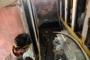 In Mumbai: Three dead in septic tank collapse at Mankhurd slum