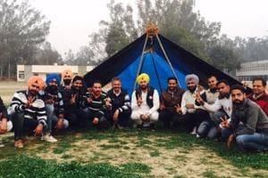 AAP Candidate Nabha Gurdev Singh Mann (centre) with supporters camping outside a