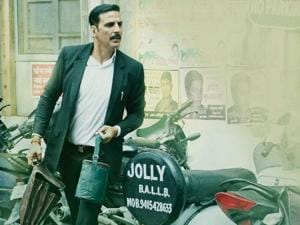 Akshay Kumar is Jagdishwar Mishra aka Jolly, a maverick junior lawyer who has no qualms about breaking the rules.