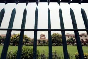 Calcutta HC's Justice Karnan accuses SC of 'upper caste' bias over contempt notice