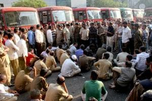 Driver's death in Thane:Staff of Maharashtra transport body call off strike