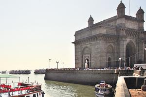 Mumbai's posh Malabar Hill, Nariman Point surrounded by toxic water