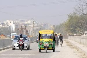 Noida: A year after it was closed, the Sector 60/71 road opened to traffic