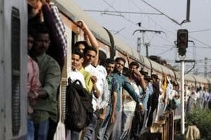 Commuters falling from trains leading cause of injuries in 2016, say Mumbai railway police