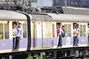 Crossing tracks led to 1,798 of 3,202 train fatalities in Mumbai in 2016