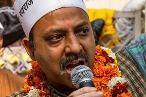 Delhi: Rebel AAP legislators Puskhar, Shehrawat may be in trouble for addressing rallies against party