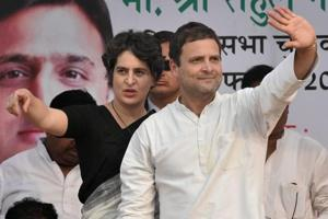 Rahul, Priyanka target Modi, say 'achche din' to note ban like DDLJ to Sholay