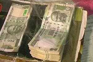 Delhi Police seize Rs 6 lakh in fake Rs 100 notes from gang with 'ISI links'