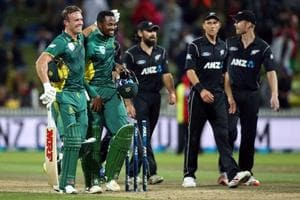 AB De Villiers, Andile Phehlukwayo lead South Africa to win over New...