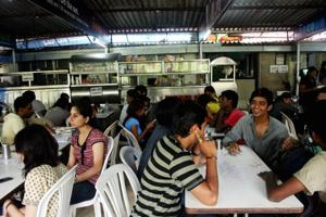 It's a mess! Mumbai college hostellers' constant fight for good food