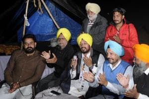 Punjab election: AAP volunteers 'guard' EVMs across 59 strongrooms