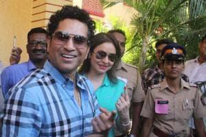 BMC polls 2017: Cricketer Sachin Tendulkar, actors Shraddha Kapoor, Anushka Sharma step out to vote