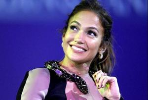 Jennifer Lopez opens about Drake on Ellen DeGeneres Show: Dating has...