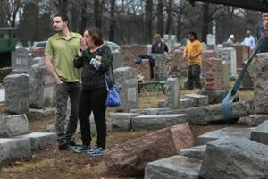 Muslim-Americans raise $55,000 to repair Jewish cemetery