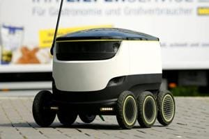 Estonian robots try to master road crossings