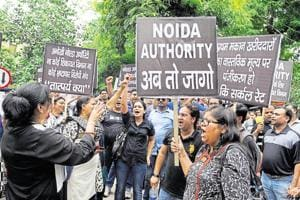Homebuyers, farmers join hands to protest against Greater Noida...