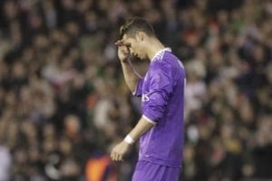 Real Madrid C.F. slump to loss vs Valencia C.F. in La Liga