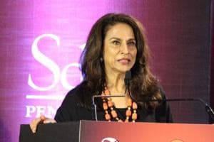 Shobhaa De's 'fat' gaffe: Here's how she can help obese cop and others...