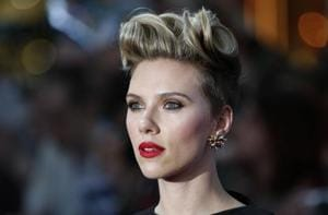 Saturday Night Live: Scarlett Johansson to host  for fifth time