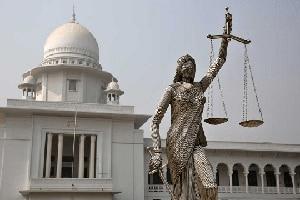 Bangladeshi Muslim hardliners seek removal of Justice statue